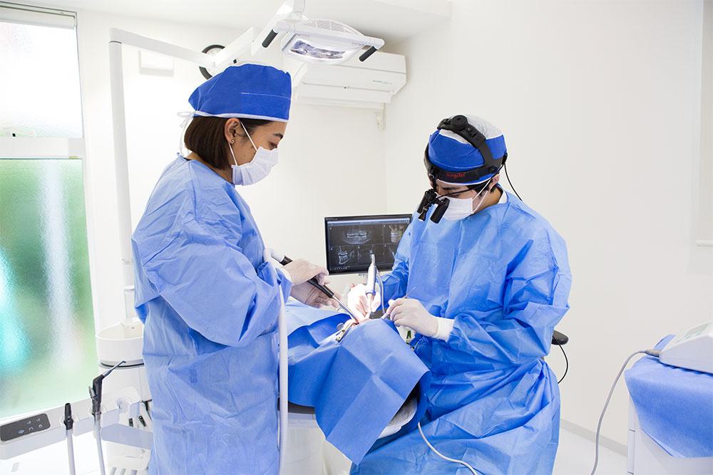 再植術や歯根端切除術